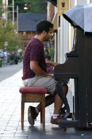 piano brit.jpg